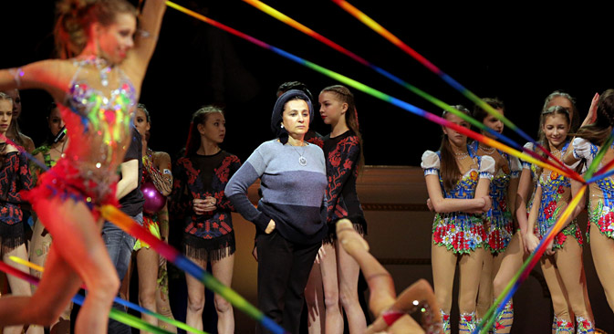Al centro, Irina Viner, allenatrice della nazionale russa di ginnastica artistica