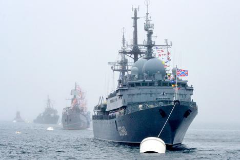 Salah satu isu yang mendesak ialah perbaikan kapal 'warisan Soviet' dan modernisasi mereka.