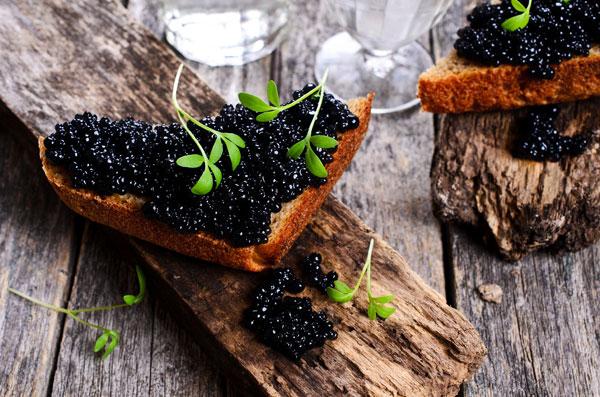 Caviar e doces estão entre os alimentos mais procurados por estrangeiros