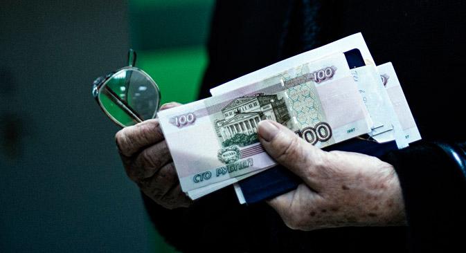 Enfraquecimento de moedas de países da CEI valoriza moeda russa na região