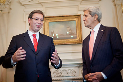Secretary of State John Kerry listens to Serbian Prime Minister Aleksander Vucic speak to members of the media during their meeting at the State Department in Washington, Wednesday, Sept. 16, 2015. Source: AP