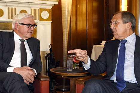 German foreign minister Frank-Walter Steinmeier (left) and Russian Foreign Minister Sergey Lavrov. Source: AP