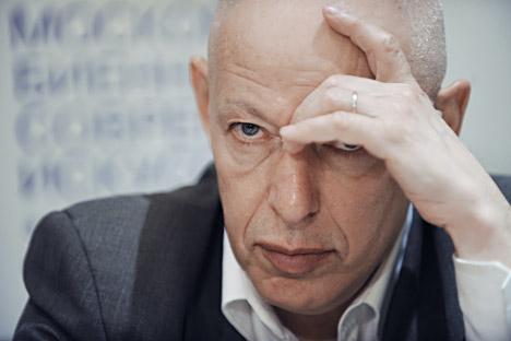 Joseph Backstein, Commissaire de la Biennale de Moscou.