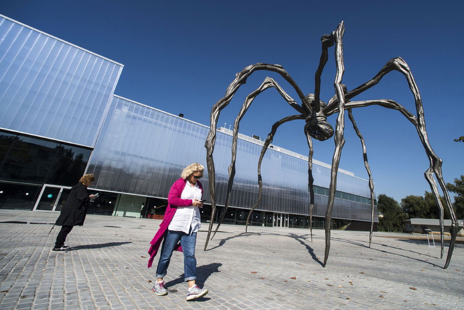 "The sculpture ""Maman"" American sculptor Louise Bourgeois at the Museum of Modern Art ""Garage"" at the opening of the exhibition ""Louise Bourgeois. The structures of life: cell"" in Moscow."