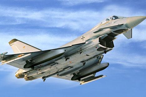 L'avion d'attaque Tornado IDS de la Force aérienne allemande transportant des missiles de croisière air-sol TAURUS KEPD 350.