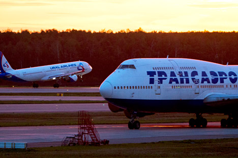 Région de Moscou, Russie, le 19 août 2015. Une avion de Transaero à l'aéroport international Domodedovo.