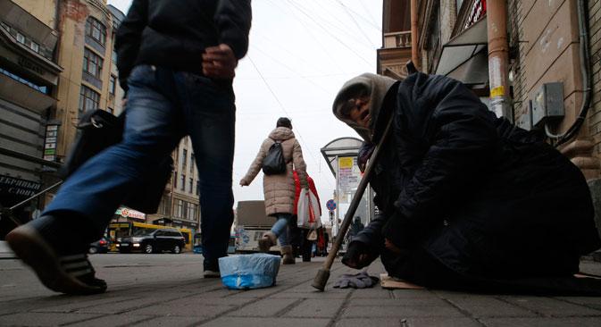 L'indice di povertà in Russia è tornato ai valori di decenni fa: 15,1% nel primo semestre dell'anno, contro il 10,8% del 2013