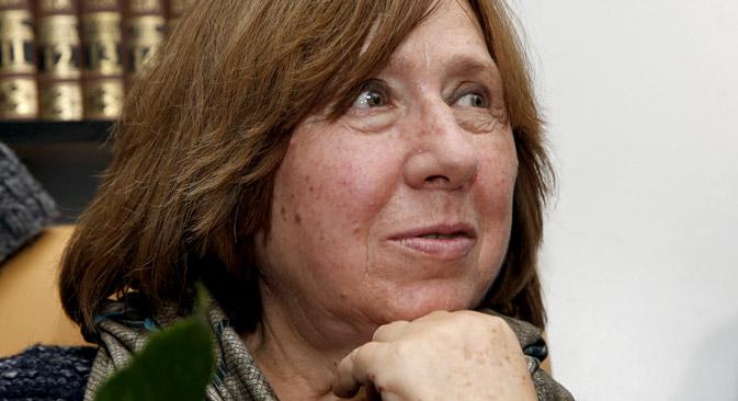 Светлана Алексиевич е родена в украинския град Ивано-Франковск, израснала е в Беларус, а първоначално творчеството ѝ се издава в СССР. Днес книгите й са преведени на десетки езици.