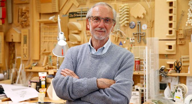 L'architetto italiano Renzo Piano nel suo studio di Parigi, Francia