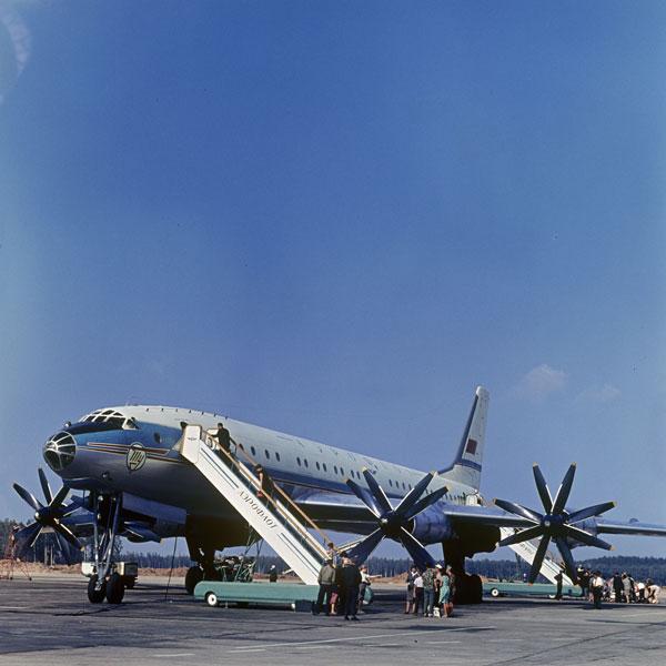 """Tu-114, o """"burro de carga soviético"""", transportou milhões de passageiros"""