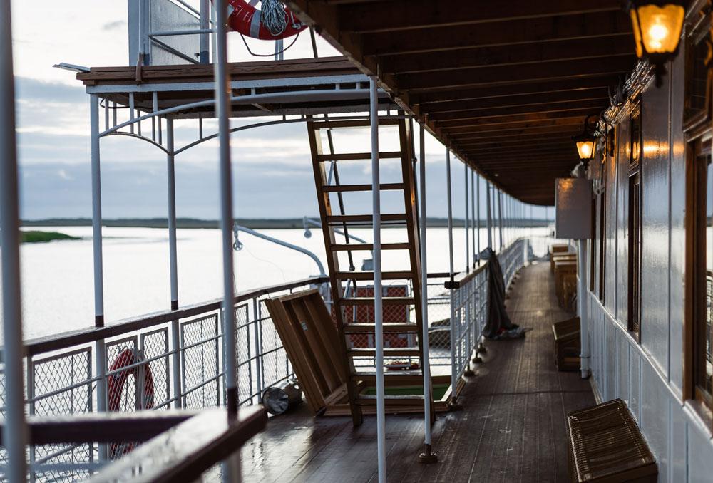 """Паробродот """"Н.В. Гогољ"""" сè уште плови на задоволство на своите патници, како на локалните жители, така и на посетителите на Архангељск."""