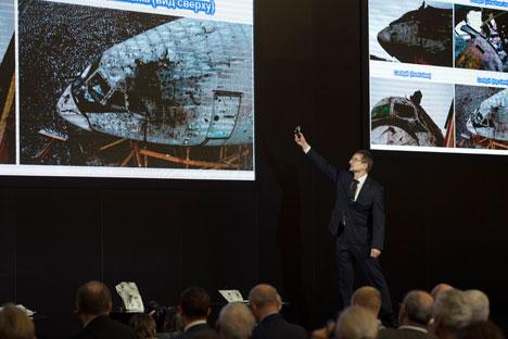 Michail Malyschewskij vom russischen Rüstungskonzern Almas-Antei stellte seinen Bericht zu MH17 am 13. Oktober auf einer Pressekonferenz in Moskau vor.