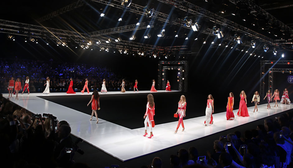 Models present creations by Russian designer Valentin Yudashkin during the Moscow Fashion Week, in Moscow, Russia, 13 October 2015. The event runs from 13 to 17 October.
