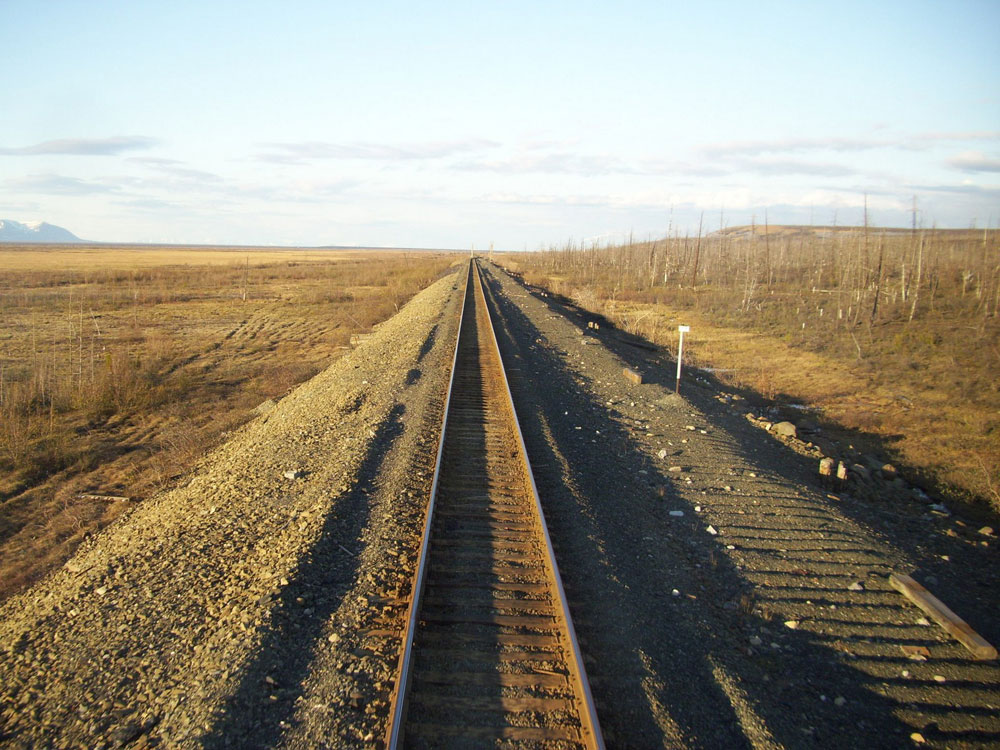 The first narrow-gauge line was constructed here in the 1930s, when the Soviet government decided to found the Norilsk mining company. In the early 1950s it was transformed into a 1520 mm standard Russian gauge line.