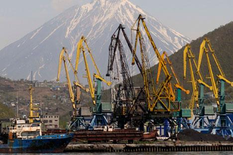 Ein Blick auf den Stadtshafen von Petropawlowsk-Kamtschtaskij.