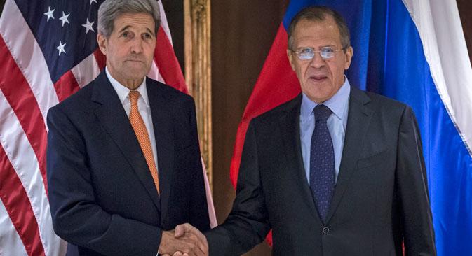 Rokovanje ruskega zunanjega ministra Sergeja Lavrova in ameriškega državnega sekretarja Johna Kerryja.