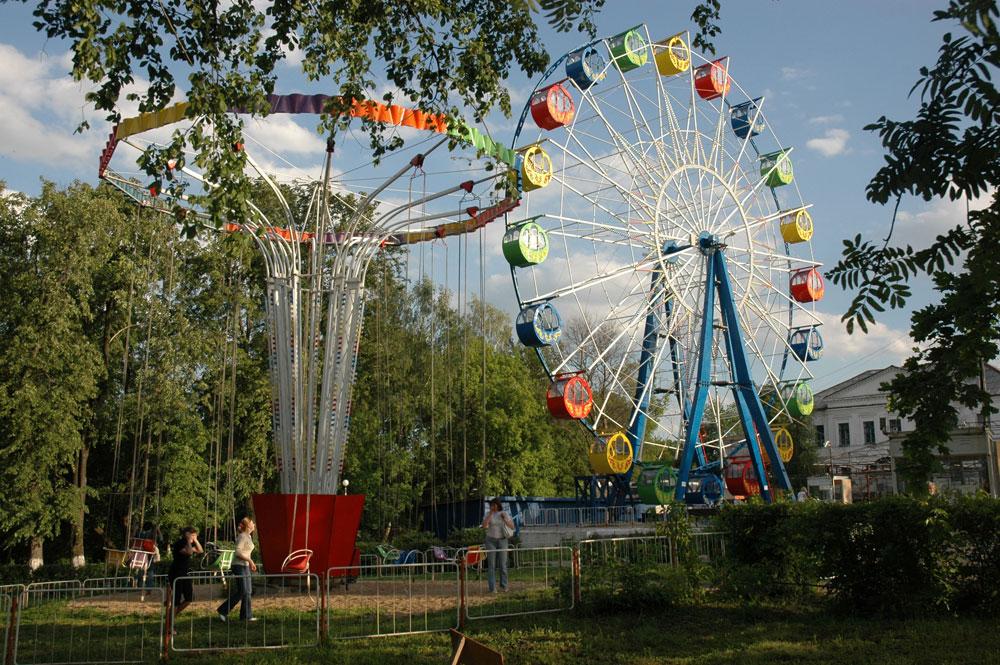 Panoramsko kolesa najdemo tudi v precej majhnih ruskih mestih. Ta na sliki je iz zgodovinskega mesta Murom (okoli 300 km vzhodno od Moskve).