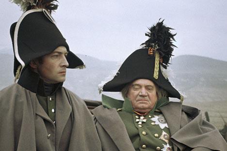 "Vyacheslav Tikhonov as Bolkonsky (left) and Boris Zakhava as Kutuzov in the film ""War and Peace""."