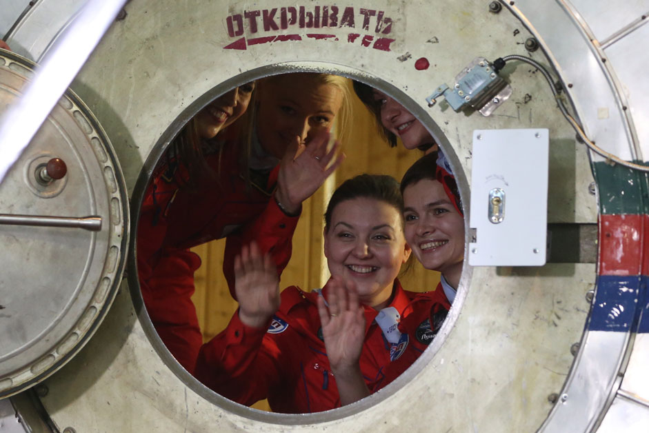 "Russia. Moscow. 28 October 2015. Participants in the project Tatiana Shigueva Inna Nosikova Darya Komissarov, and Anna Kussmaul and captain Elena Luchitskaya (left to right) at the world's first experiment to simulate a flight around the moon female crew of ""Moon-2015"" at the Institute of Biomedical Problems, Russian Academy of Sciences ."