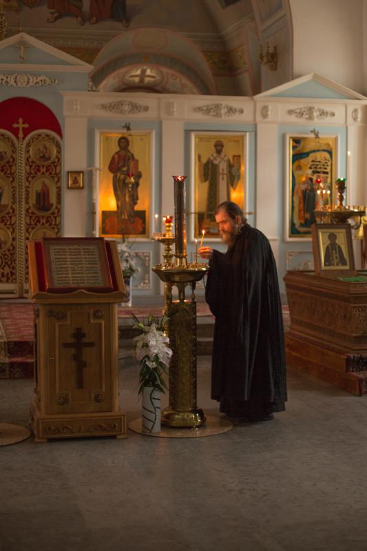 この修道院に人々はさまざまな理由で来ている。聖職者団体の出身者であれば、修道士としてとどまることができた。元囚人の老人が、剃髪式を受けることなく、修道院に暮らしたこともあった。社会保障制度のない時代、修道院はこの機能も果たしていた。