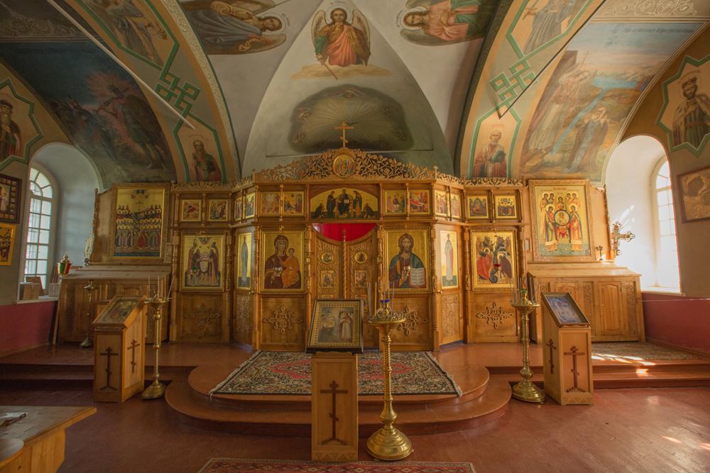 1917年にボリシェヴィキが政権に就き、国内最古の修道院の一つが解散させられた。何世紀にもわたって聖地となってきた諸島は、ソ連のグラグ(矯正労働・奉仕労働収容所)体制の中で最も恐ろしい矯正収容所に変わった。セキルナヤ山の教会は、不気味な懲罰独房になった。