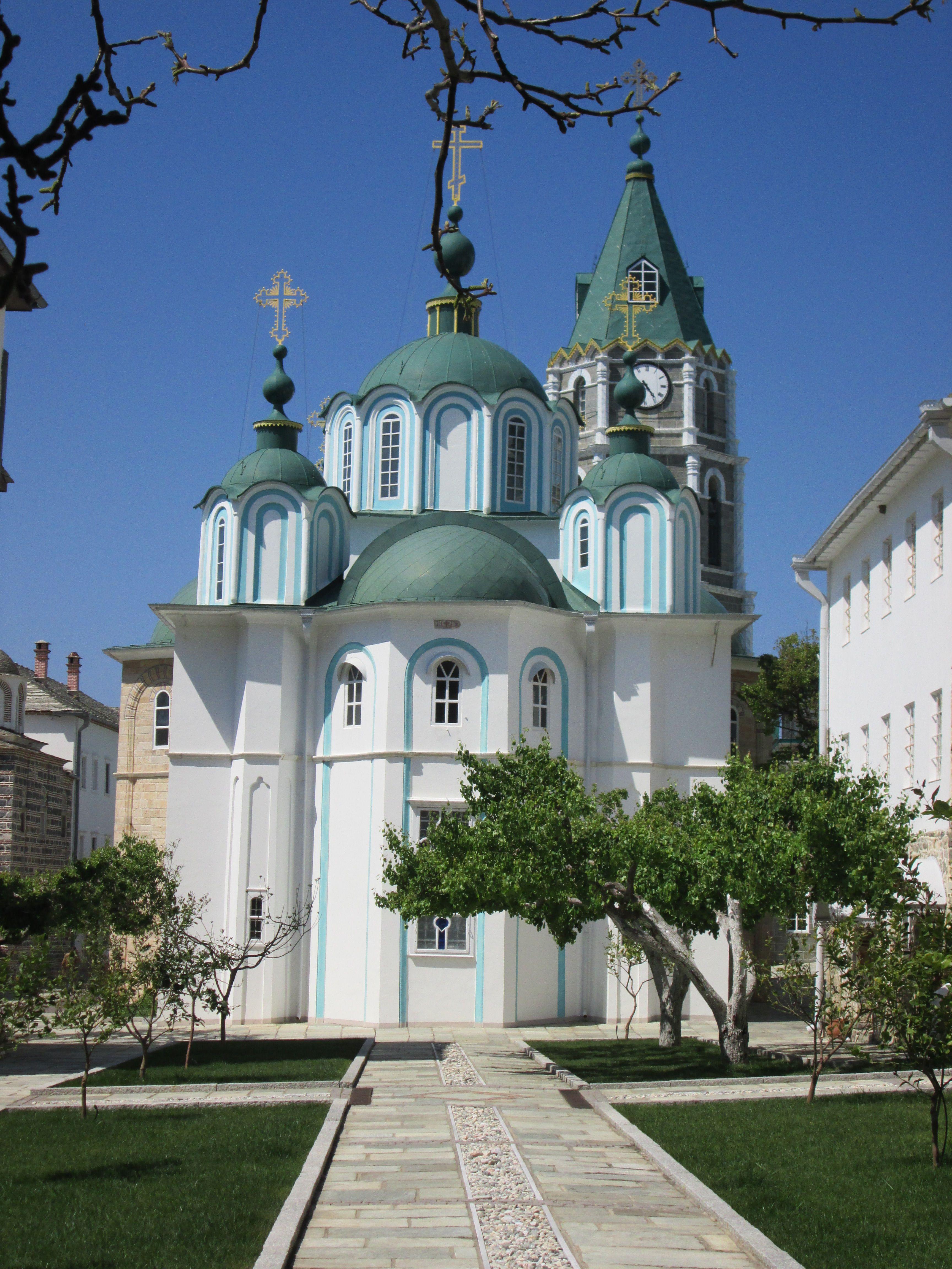 """""""Свети Пантелеймон"""", също наричан и Русикон – един от трите славянски манастира на Атон."""