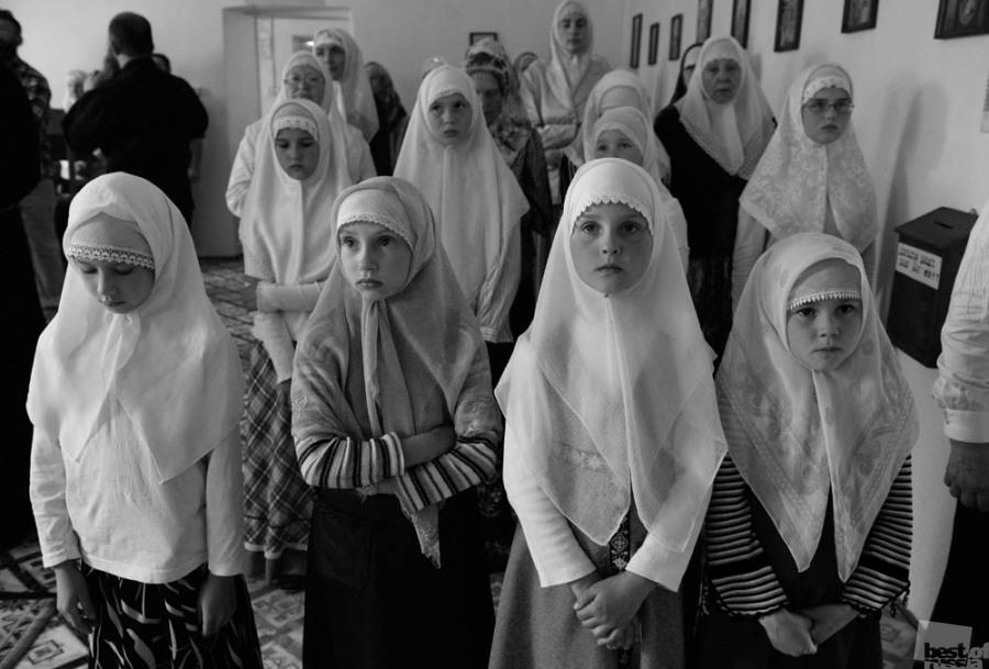 L'exposition « The Best of Russia » ouvrira ses portes à l'été 2016 au centre artistique Winzavod et sera ensuite présentée dans de grandes galeries d'exposition en Russie et à l'étranger. // La prière. Poteriaevka, Altaï.