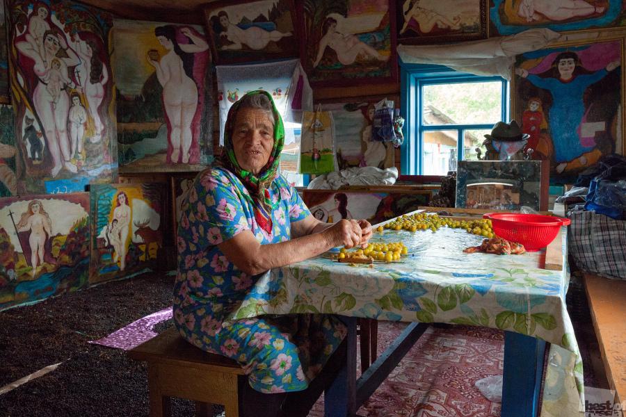 Die Muse. Jewdokija Sudomojkina – Ehefrau und Inspirationsquelle des Künstlers Polikarp Sudomojkin aus Bitschura, Republik Burjatien.