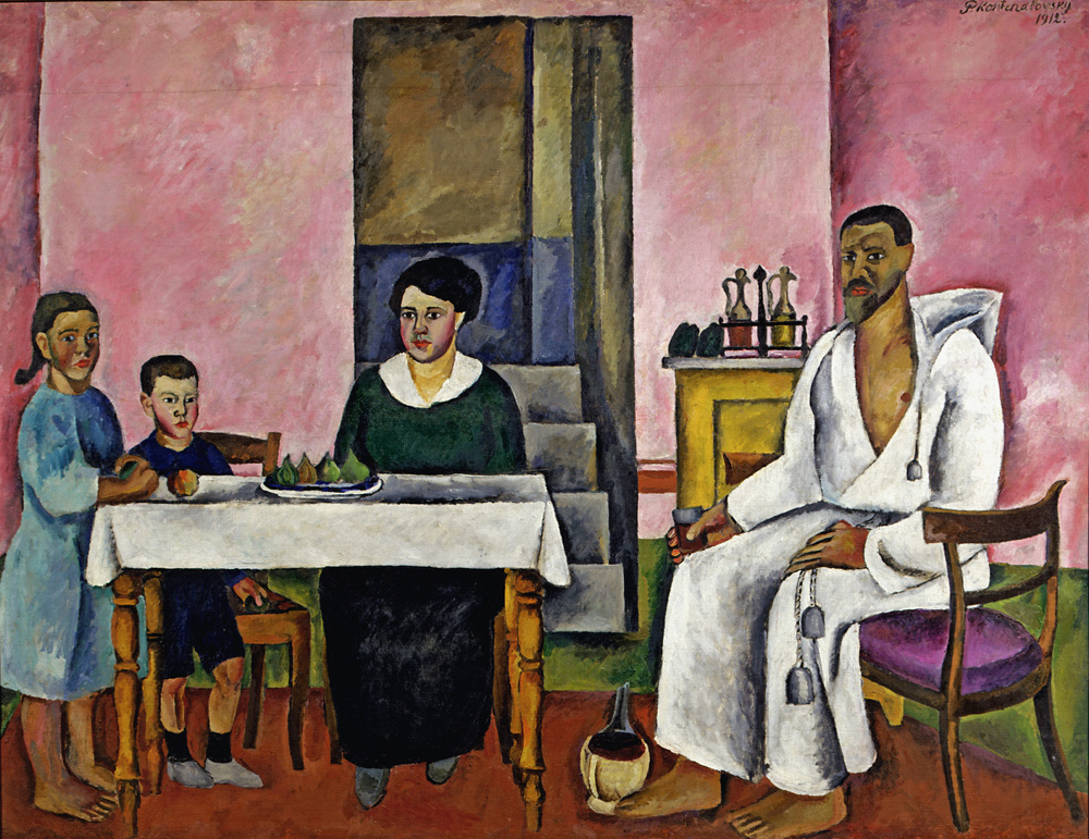 7. In 1924 the USSR took part in the Venice Biennale for the first time. Konchalovsky exhibited 13 paintings in the Russian pavilion, among which was Family Portrait, which Venice's Ca' Pesaro art gallery bought after the exposition. // Family Portrait, 1912.