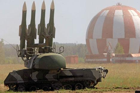 Un sistema antimisiles Buk-M2 en el polígono de Zhukovski, a las afueras de Moscú. Rusia ha suministrado recientemente estos sistemas a Rusia.