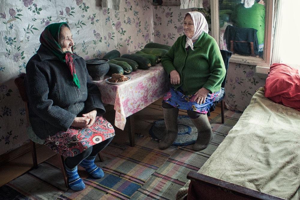 И покрај оваа тажна статистика, локалните претставници на тверските Карели се обидуваат да пронајдат решение и се надеваат дека ќе ги зачуваат јазикот, културата, историјата и обичаите на својот народ.