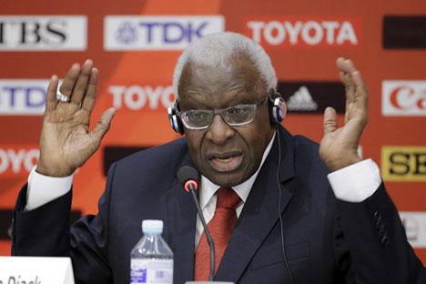 Der russische Leichtathletik-Verband WFLA soll den früheren Präsidenten des Weltleichtathletikverbands IAAF Lamine Diack bezahlt haben, damit er Stillschweigen über Doping russischer Sportler bewahre.