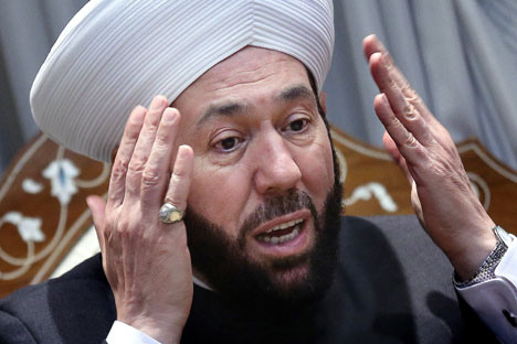 Grand Mufti Ahmad Badreddin Hassoun of Syria speaks during a meeting with Russian lawmakers.