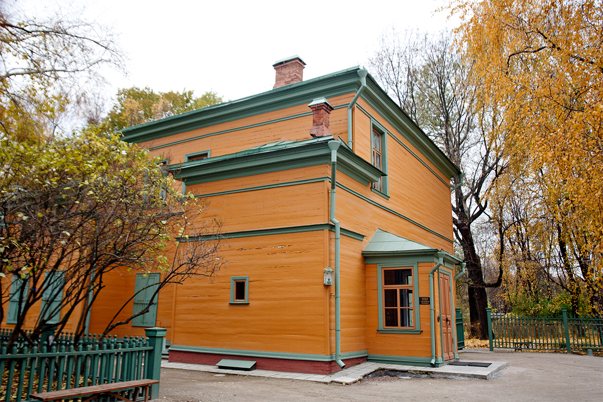 House-estate of Russian writer Leo Tolstoy at  21/1 Leo Tolstoy Str. He lived here from 1882 till 1901, and wrote about 100 works in the house. Now it is the Leo Tolstoy Khamovniki Memorial Estate and is open to visitors.