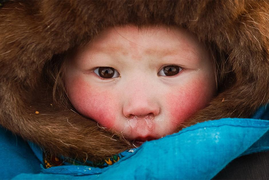 Salekhard, située à 2 436 km au nord de Moscou, est la capitale de la Région autonomes Iamalo-Nenets. La neige et le gel y durent 200 jours par an.