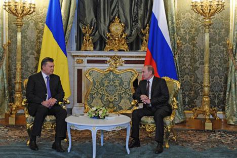 Les présidents russe et ukrainien, Vladimir Poutine (à droite) et Viktor Ianoukovitch au Kremlin, le 18 décembre 2013.