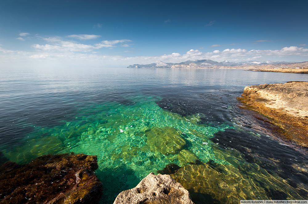 Bez pretjerivanja, Krim mnogi smatraju rajem na Zemlji. Kroz poluotok prolazi 45. paralela i zbog toga, kako pojedini znanstvenici slikovito navode da Krim predstavlja zlatni predio, s gotovo idealnim klimatskim uvjetima za život, među najboljim na planeti.