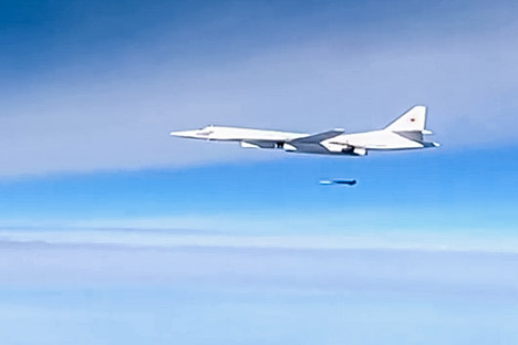 A Kh-555 air-launched cruise missile is launched by a Tupolev Tu-160 supersonic strategic bomber of the Russian Aerospace Forces to strike the Islamic State infrastructure facilities in Syria.
