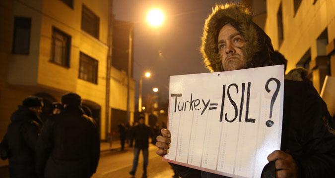 Une action de protestation devant l'ambassade de Turquie à Moscou.