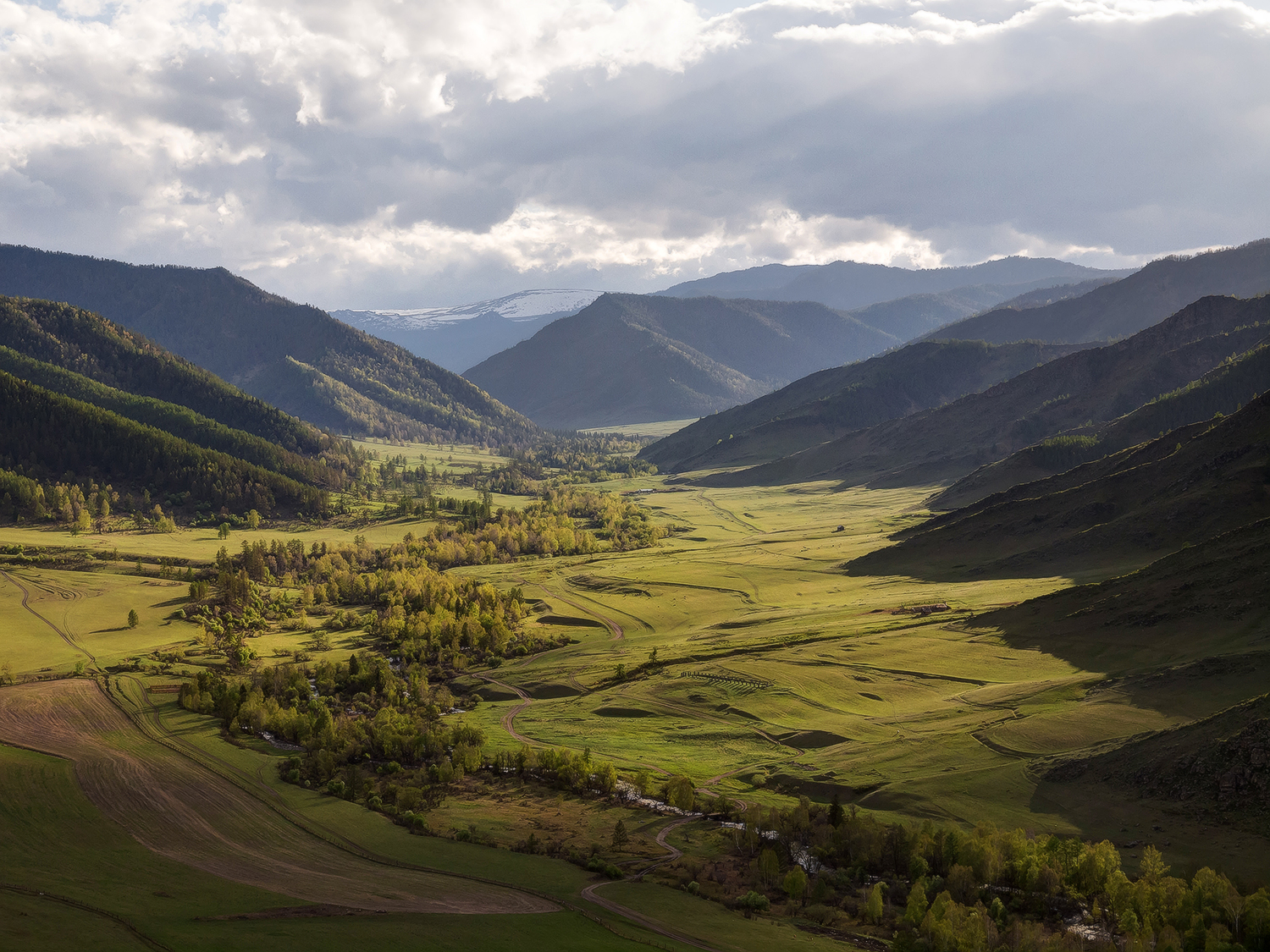 Nature reserves comprise 20 percent of the Altai Republic territory, and 126 natural monuments are also located in the area.
