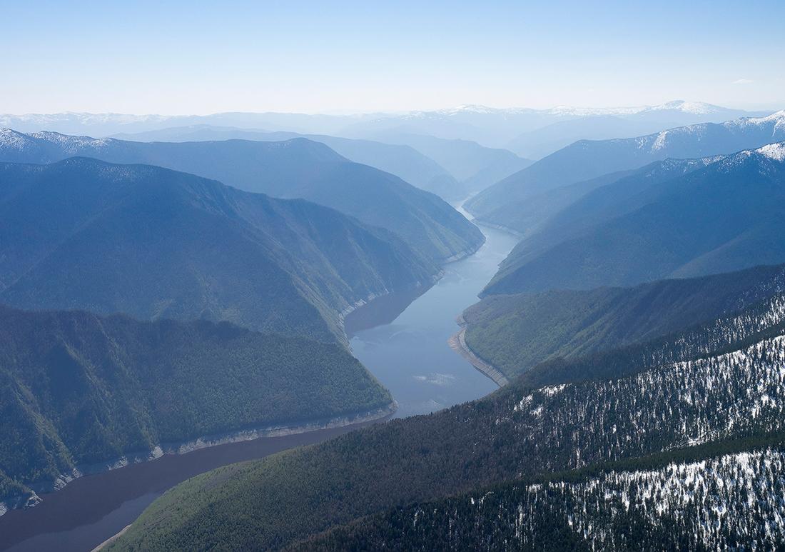 지구의 '녹색약국' 또는 지구의 '허파'로 불리는 알타이 산맥은 러시아에서 가장 청정하고 가장 오염되지 않은 지역 중 하나다.