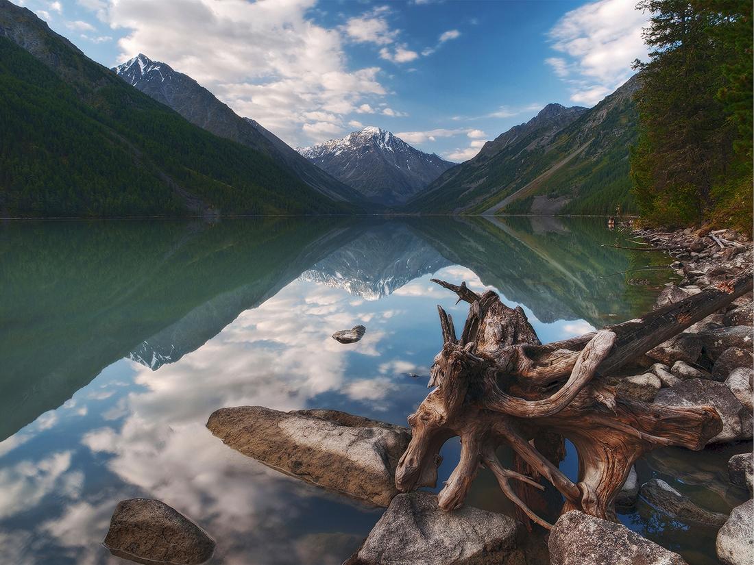 호수와 나무, 사막들도 여행자들에게 극적인 감정을 선사하는 목적지가 되고 있다.