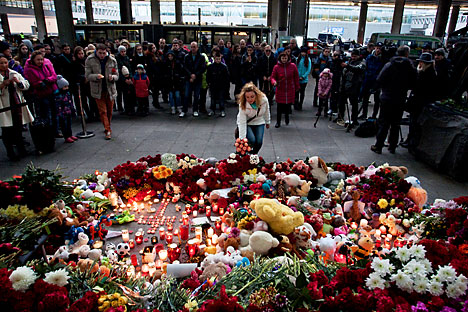 The Pulkovo airport memorial devoted to the 224 passengers who died on the flight from Sharm el-Sheikh, Egypt to St. Petersburg on Oct. 31.