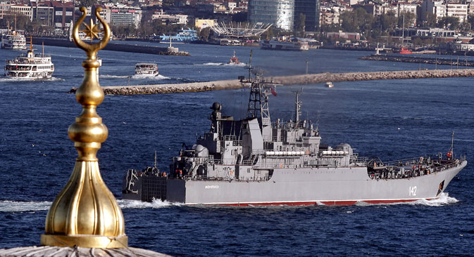 The Russian Navy Landing Ship Novocherkassk passes the Bosphorus Strait in Istanbul, Sept. 5,  2013.