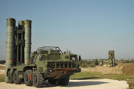 An S-400 air defence missile system at the Hmeymim airbase.