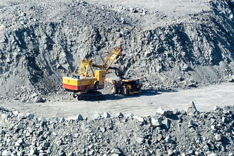 Extração de minerais na cidade de Asbest, nos Urais