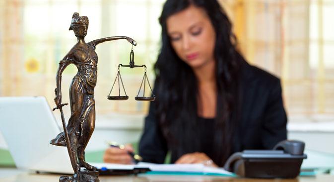 """La Russia avrà il diritto di dichiarare """"inapplicabili"""" le decisioni dei tribunali internazionali."""