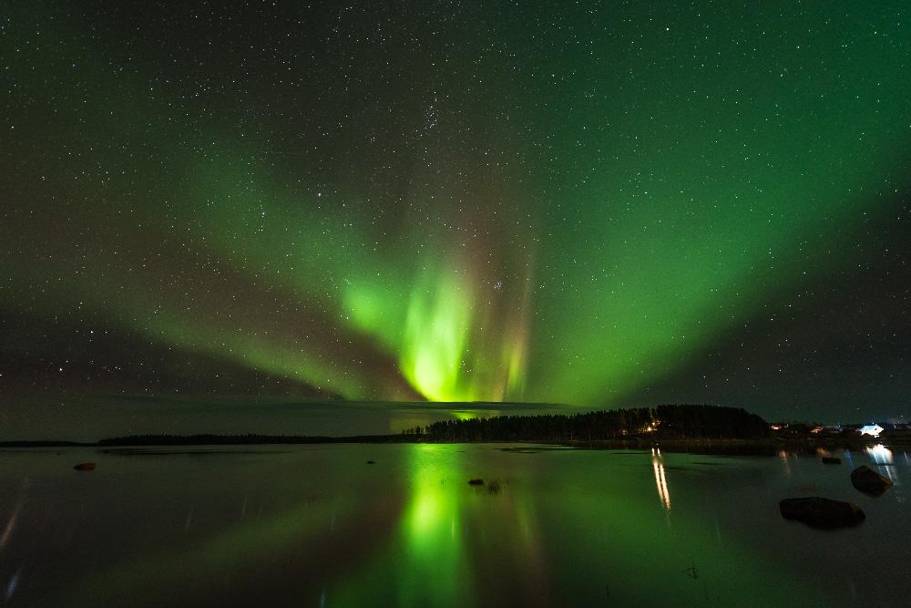 自然の光が放つ今年のパフォーマンスは、太陽活動が活発だったため、格別であった。