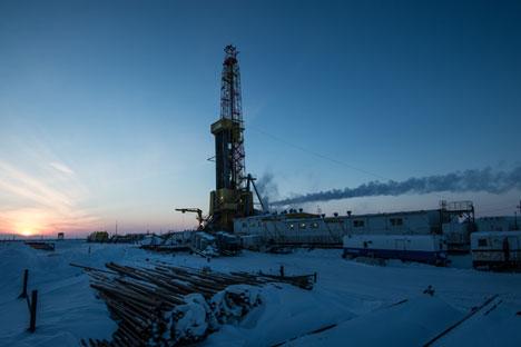 От началото на 2016 година цените на петрола продължиха да спадат.