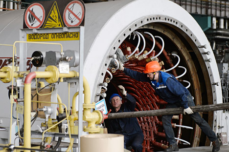 SVERDLOVSK REGION, RUSSIA. APRIL 23, 2015. Workers doing maintenance in the turbine hall of Beloyarsk Nuclear Power Plant in Zarechny. Reactor No. 3 has been shut down for scheduled refuelling and maintenance.